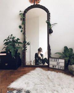 TU in oglinda